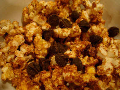 Maca Popcorn with chocolate chips