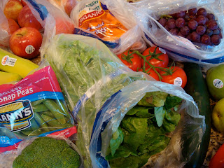 ugar Snap Peas, Brock, Romaine, Apples, Organic Carrots, Vine-Ripe Tomatoes, Cucumber, Grapes
