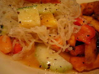 Kelp Noodles with vegetables and Peanut Sauce