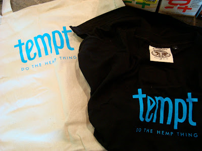 Tempt bag and t-shirt
