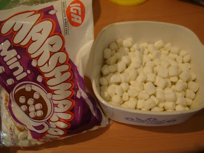 Marshmallows in bag and in dish