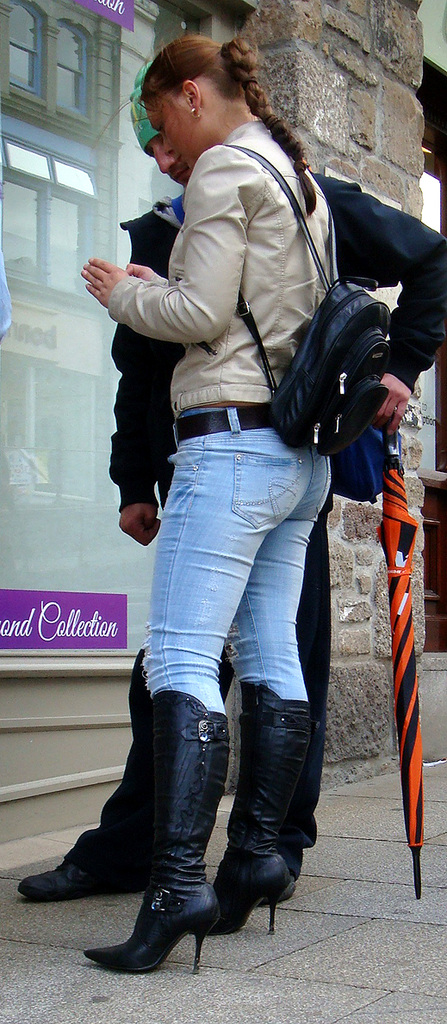 Jeans and Boots Streetshots Girls in Jeans u0026 Boots or Overknees Part 2 - 30.01.2011