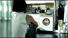 ¿ Quieres mirar la lavadora conmigo ?