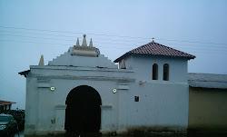 Tres Iglesias en el mismo Casco del Pueblo