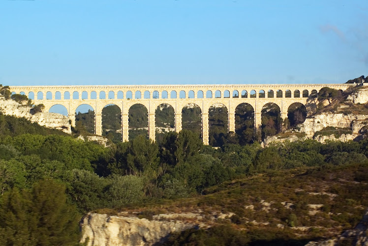 AQUEDUC DE ROQUEFAVOUR