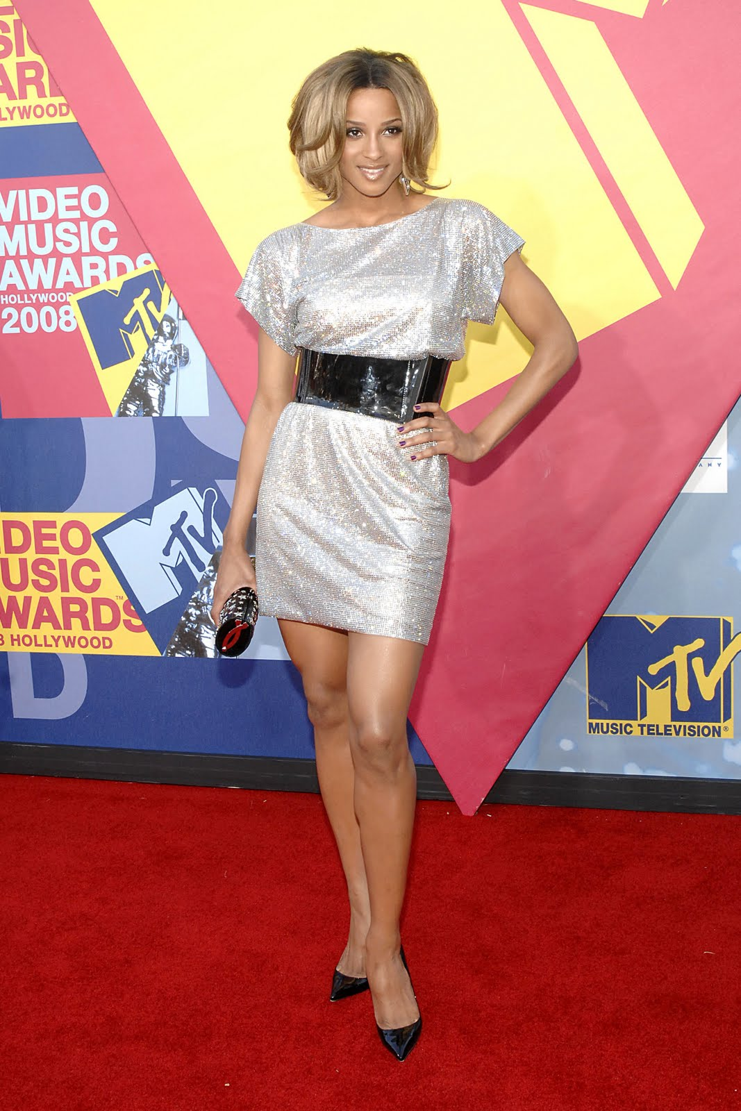 http://4.bp.blogspot.com/_LTi0R8IRkIs/S9Srv_MuFbI/AAAAAAAAB4c/fvbqgxDx6Zg/s1600/Ciara_2008_MTV_Video_Music_Awards_CU_ISA_0005_122_775lo.jpg