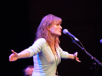 eddi reader copyright kerry dexter