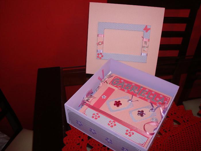 Àlbum de Bebê menina c/ Caixa decorada de MDF