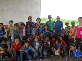 Visita dos alunos à Associação dos Catadores de lixo.