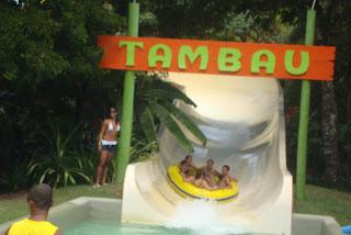 Toboágua com boia no Eco Park - Arraial d'Ajuda - Bahia