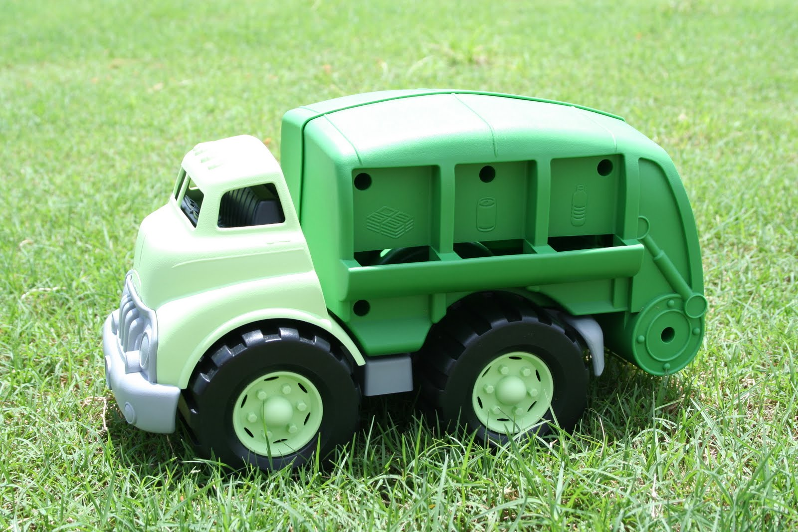Green Toy Truck : Green toys recycle truck review giveaway frugality is free