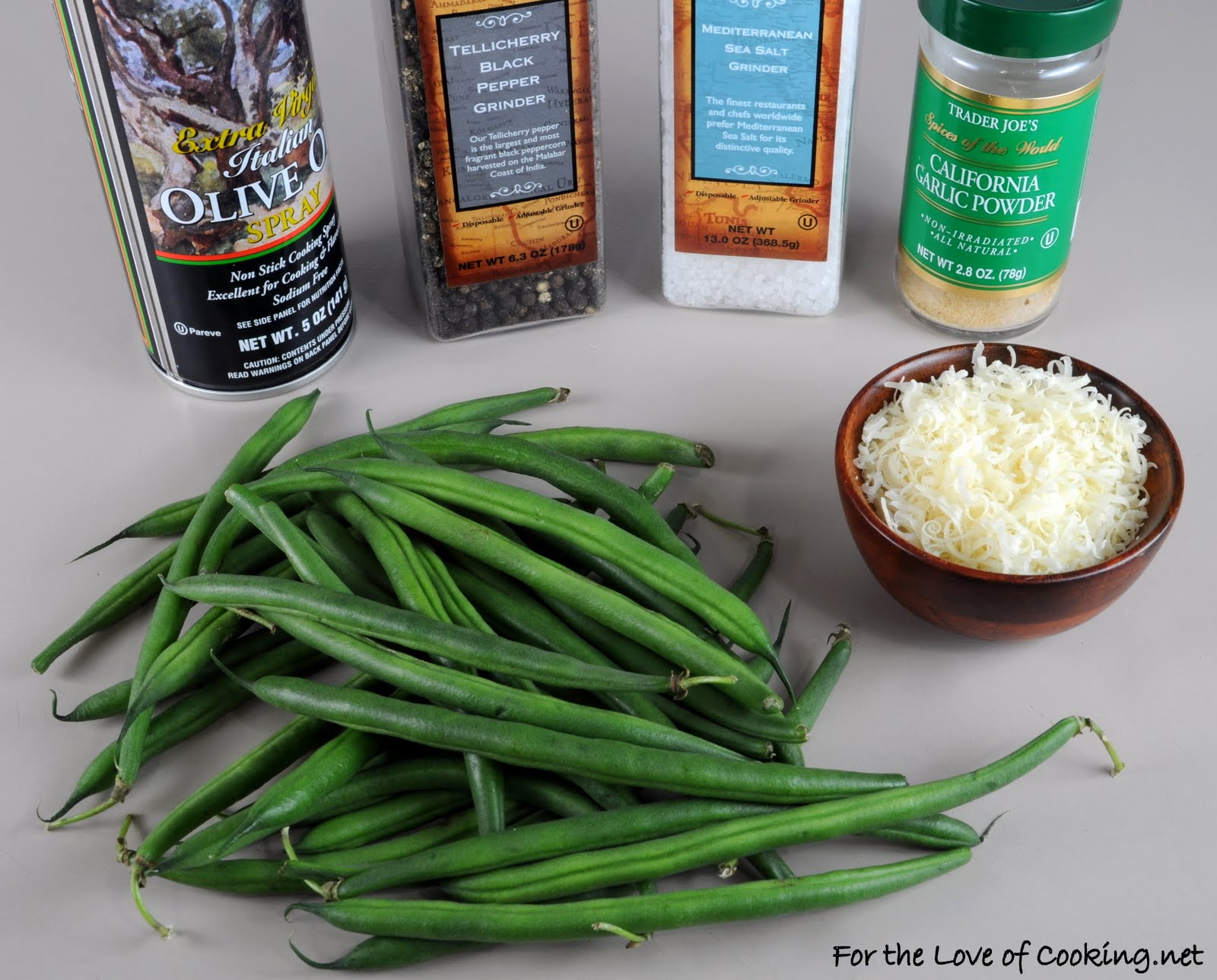 cooking green beans with salt Then add green beans and cook for a minute until beans turn bright green add the chicken broth, chopped red pepper, salt, and black pepper turn heat to low and cover with a lid, leaving lid cracked to allow steam to escape.