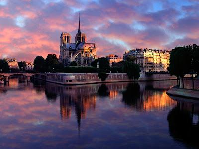 Notre Dame at Sunrise, Paris, France 1600x1200