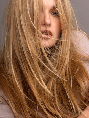 Firstly, thick hair appears to be flat especially when we wear it long and