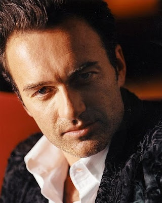 Julian McMahon as Robert Baratheon