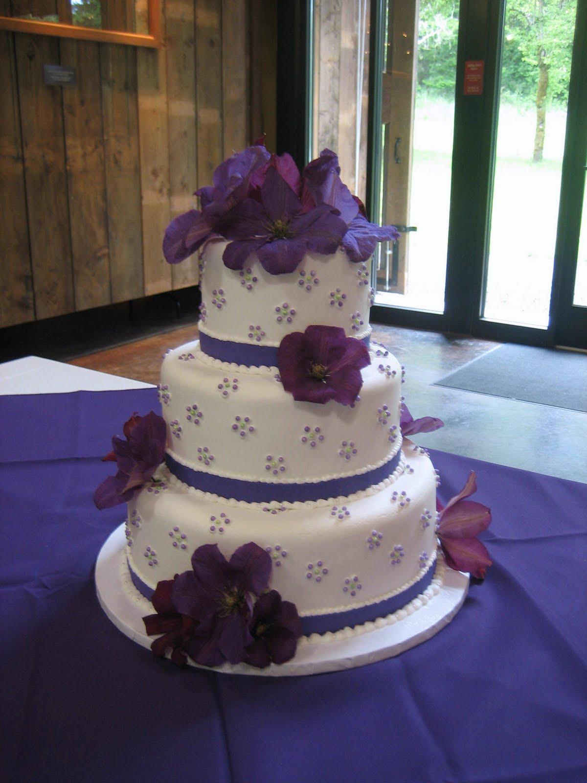 jillicious discoveries three purple wedding cakes. Black Bedroom Furniture Sets. Home Design Ideas