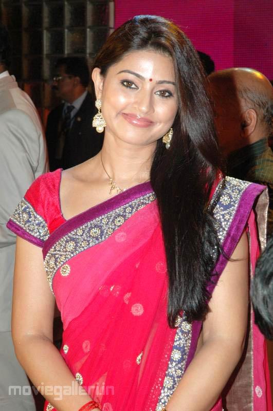 Sneha Cute In Saree Photos Sneha Latest Red Saree Stills New