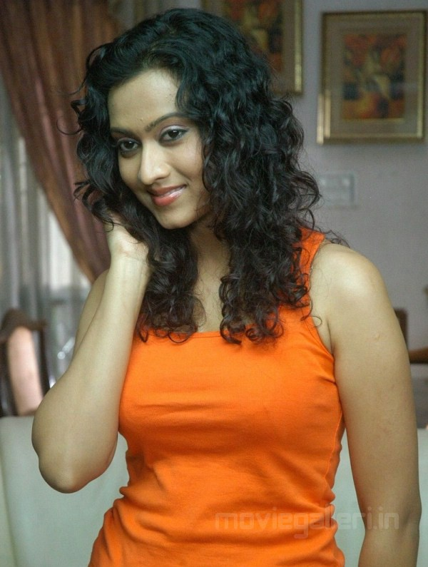 South Babe Aakarsha Sexy Photo Gallery in Orange TOP