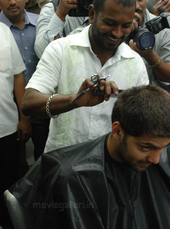 Arya opens hi street hair saloon stills hotstillsupdate for Page 3 salon chennai