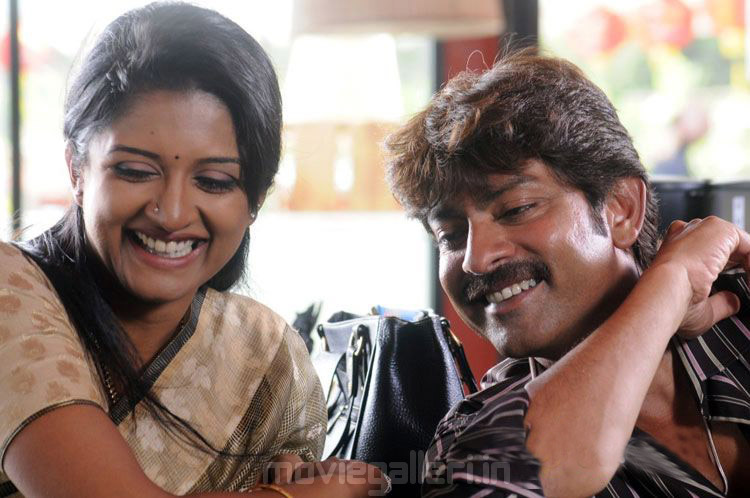 Vimala Raman Ivan Sathriyan Movie Stills