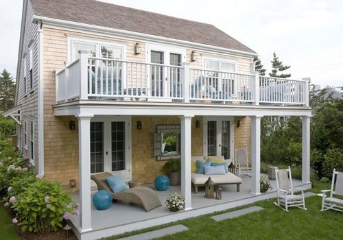 Cottage home with balcony content in a cottage for Balcony of house