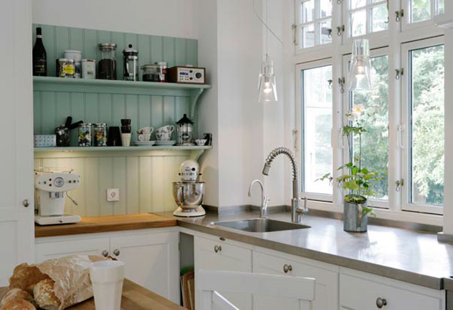 a very nice small kitchen | content in a cottage
