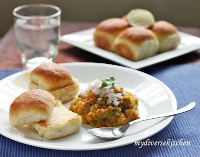 how to make pav bhaji in hindi at home