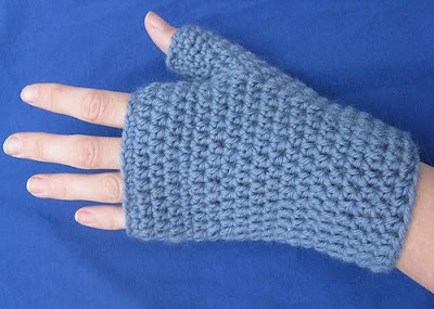 How to Do Fingerless Gloves With a Pattern | eHow.com