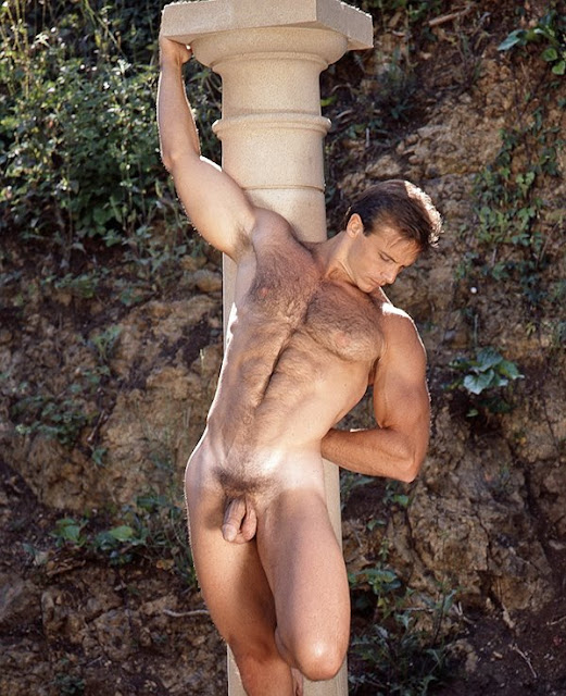 [John+Pruitt+Hairy+Column+Shot.jpg]