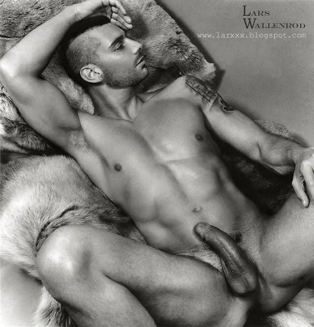 Nudw pics erotic — pic 2