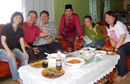 Visiting Bernama Miri reporter, Hamdan Ismail at Kg. Bandong@Hari Raya celebration