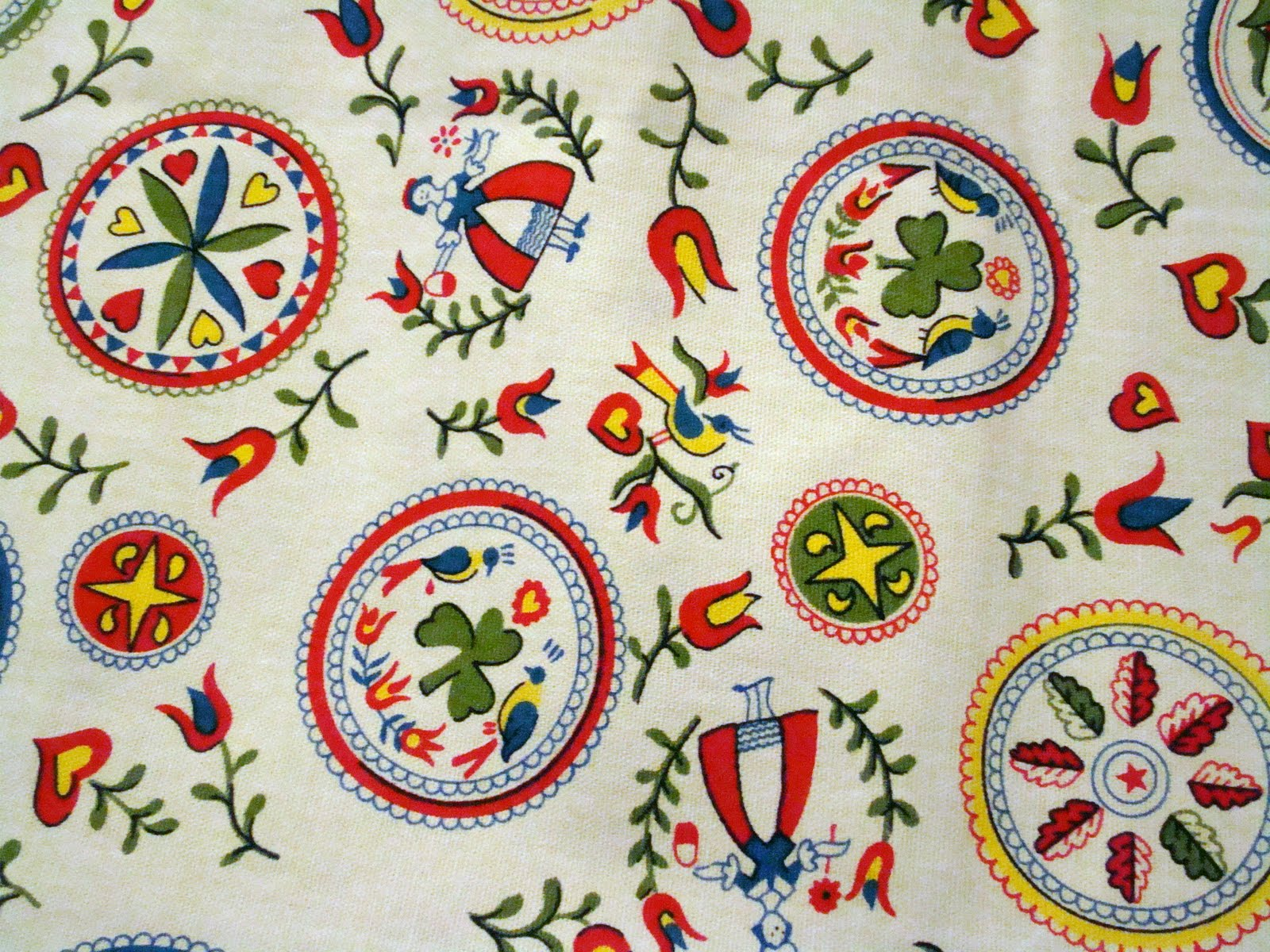 Fabric friday tablecloths fredas hive my favorite hex sign is the clover all hex signs have meaning im not really sure what the clover means this is another pa dutch biocorpaavc Images