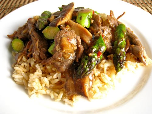 Plate & Barrel: Spicy Asparagus and Beef Stir Fry