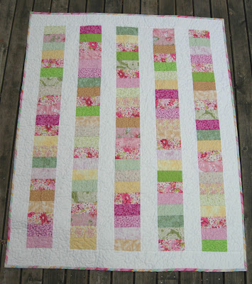 Pretty Petals quilt front