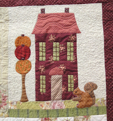 Autumn House block 3 quilting