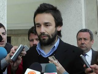 Condenan por injurias a Cristián Araos