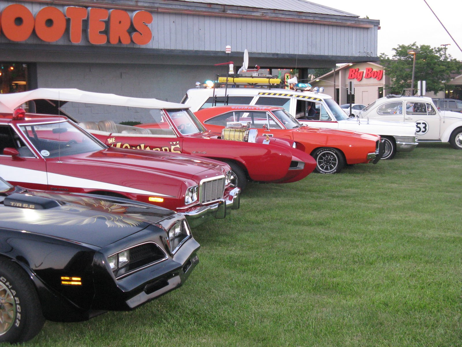 BRBTV News Blog: Cruisin\' with some great classic star cars