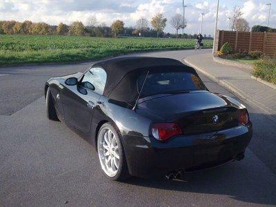 [BMW-Z4-V10-13.JPG]
