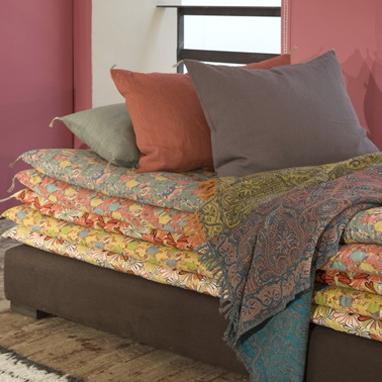 Katia rocchia home designer meublons cette terrasse - Matelas tapissier banquette ...