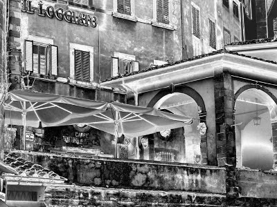 BLACK AND WHITE IN CORTONA