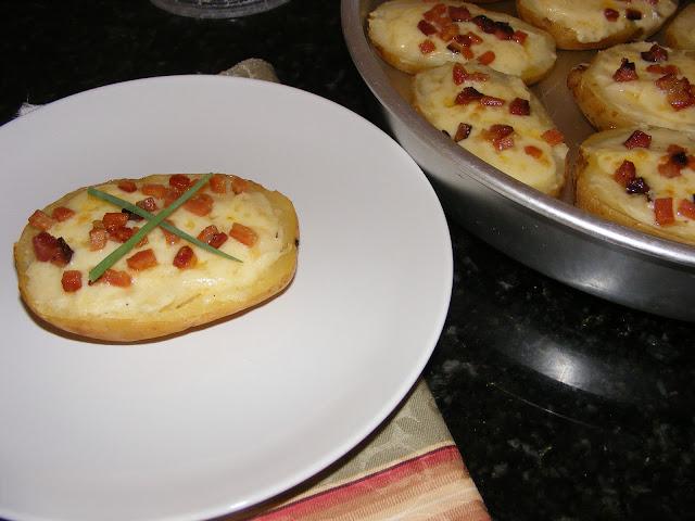 Batatas Assadas com Recheio de Bacon