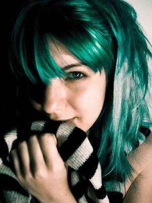 http://4.bp.blogspot.com/_LuFH3dEszto/S0qKKRiSjcI/AAAAAAAAApc/l9XYp7x7QfI/s400/funky+color+hairstyles.jpg