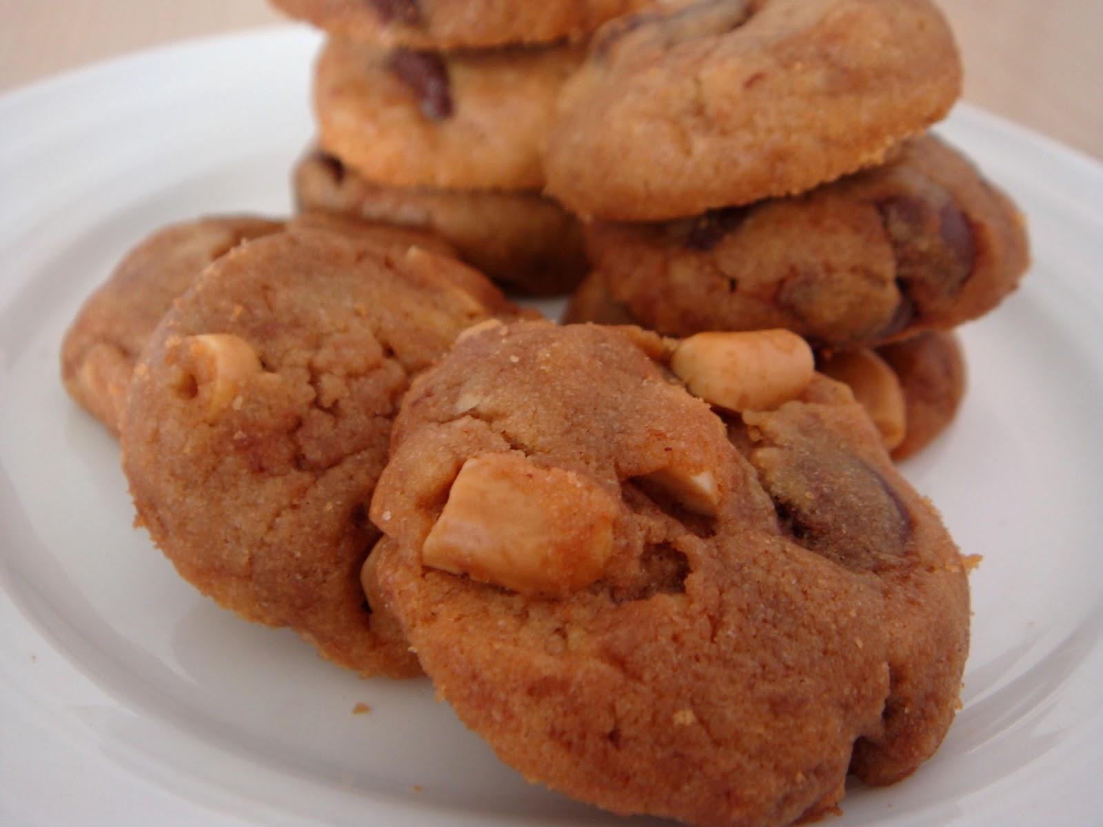 ... Christmas Goodies - Chunky Peanut, Chocolate Chip and Cinnamon Cookies