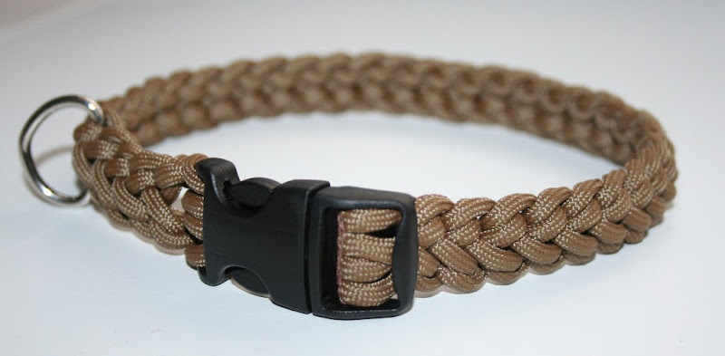 paracord dog collar in tan