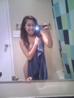 Foto Cewek Tanpa Busana Sedang Narsis Di Toilet