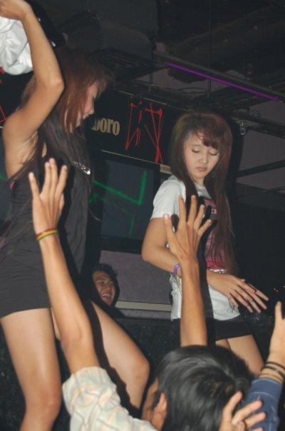 Cewek Keren MBC Bandung Party Pamer Paha Rame-Rame