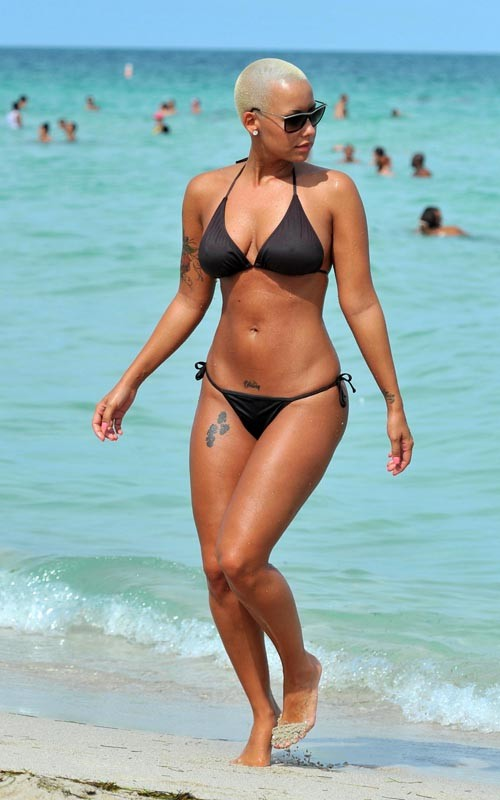 amber rose beach. Amber Rose On A Beach
