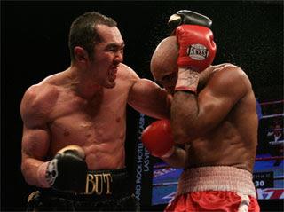 シュメノフ2-1判定で戴冠 WBA世...
