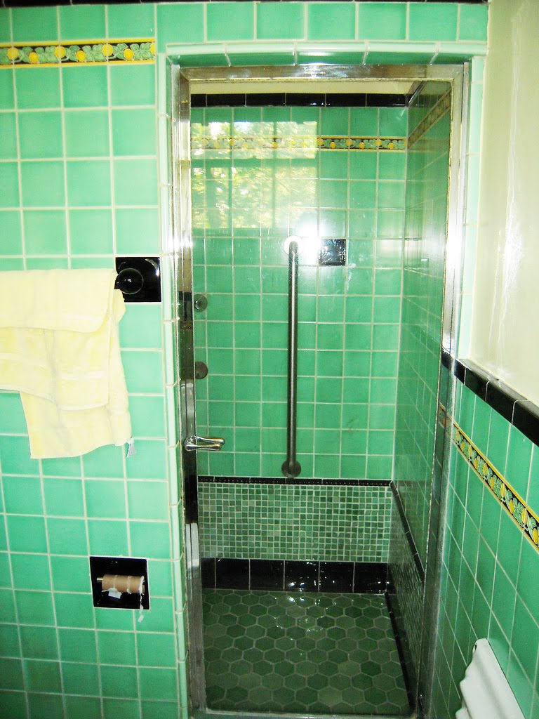 Mod Vintage Life Vintage Tile Bathrooms
