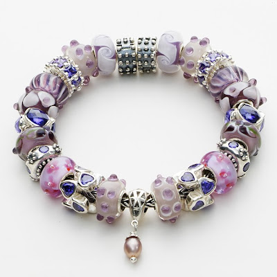 Girls Charm Bracelets on Pandora Charm Bracelets An Appropriate Gift For A Girl Turning 12